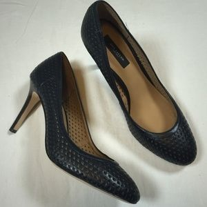 ANN TAYLOR LEATHER EYELET NAVY BLUE SHOES 8.5